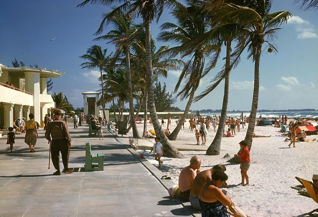 33 Lido-Beach Casino - Sarasota, Florida - early 50s.jpg