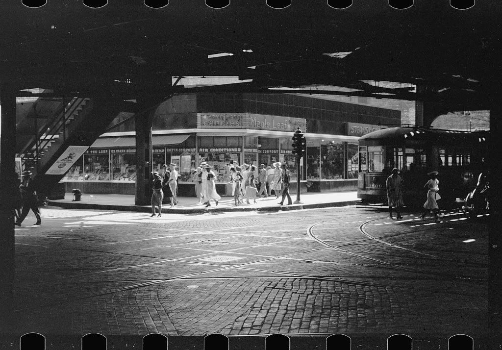 Chicago scenes of 1941 (16).jpg