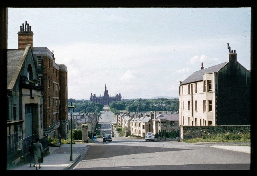 Streets of Edinburgh, Scotland in Color in the 1950s (11).jpg