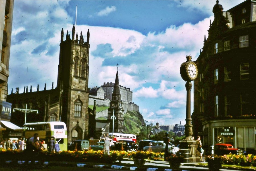 Streets of Edinburgh, Scotland in Color in the 1950s (16).jpg