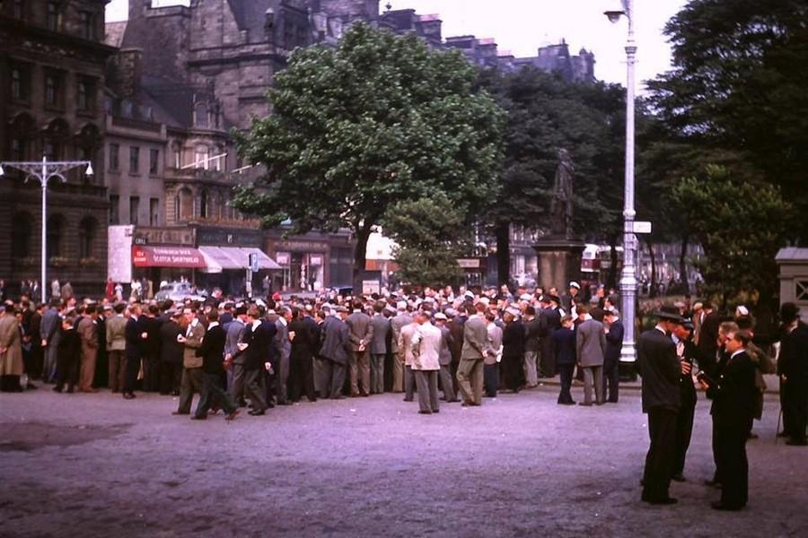 Streets of Edinburgh, Scotland in Color in the 1950s (17).jpg