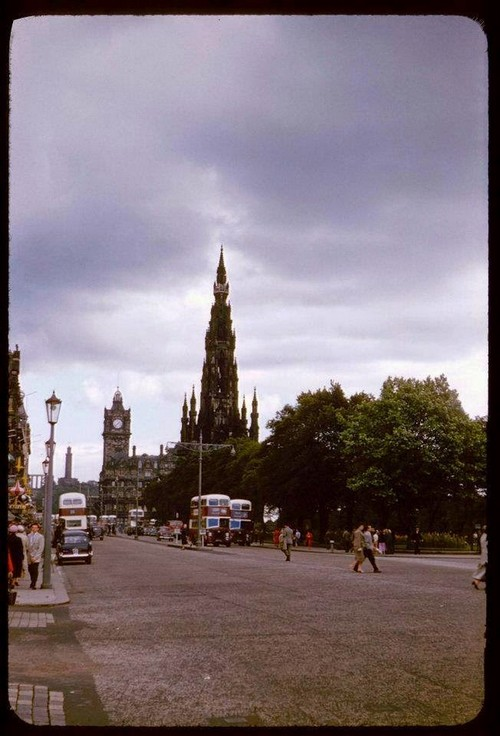 Streets of Edinburgh, Scotland in Color in the 1950s (18).jpg