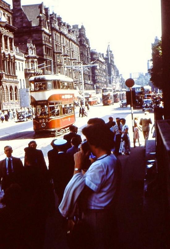 Streets of Edinburgh, Scotland in Color in the 1950s (2).jpg