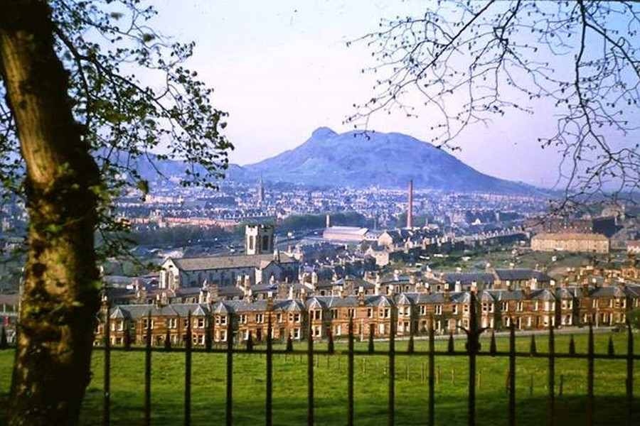 Streets of Edinburgh, Scotland in Color in the 1950s (21).jpg