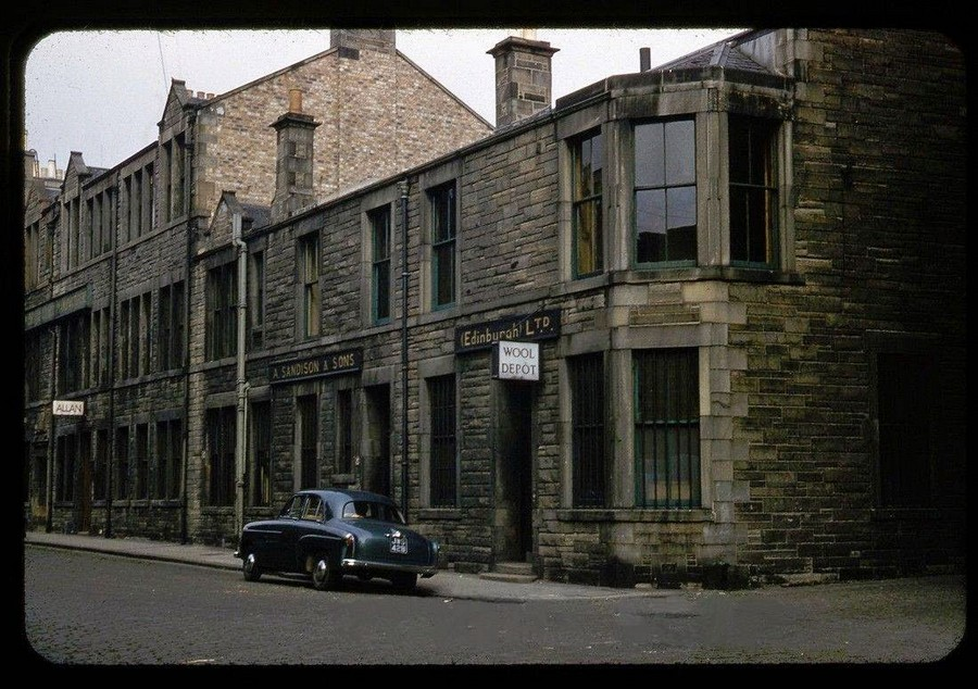 Streets of Edinburgh, Scotland in Color in the 1950s (5).jpg