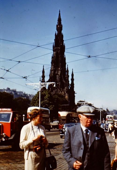 Streets of Edinburgh, Scotland in Color in the 1950s (9).jpg