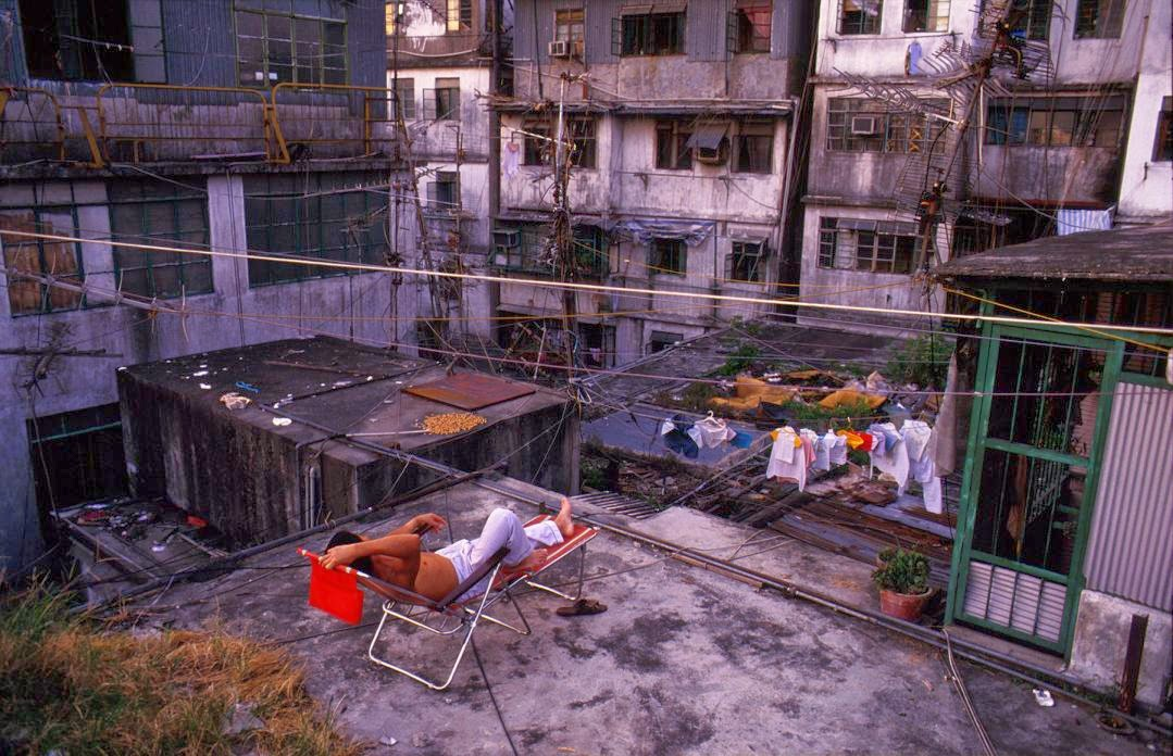 Kowloon Walled City, Hong Kong in the 1980s (14).jpg
