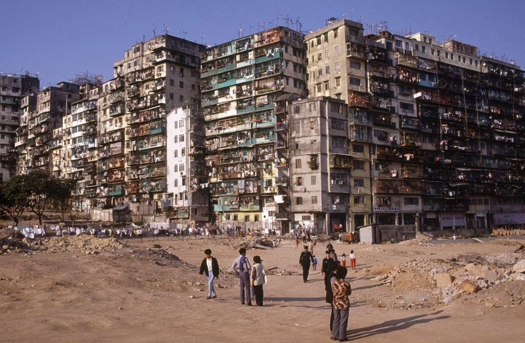 Kowloon Walled City, Hong Kong in the 1980s (25).jpg