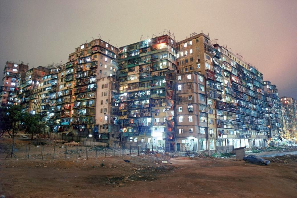 Kowloon Walled City, Hong Kong in the 1980s (27).jpg