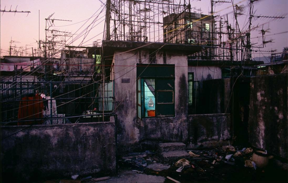 Kowloon Walled City, Hong Kong in the 1980s (28).jpg