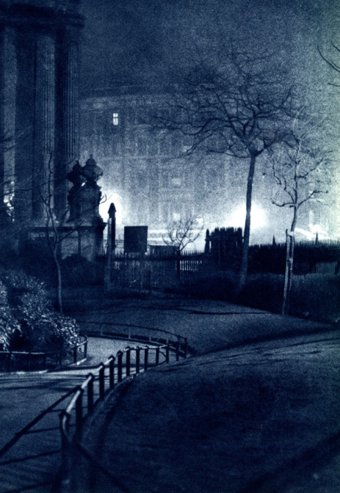 london_night_in_the_1930_s_09.jpg