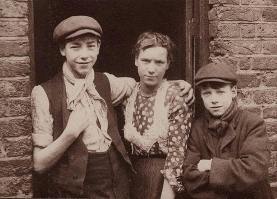 london_street_children_1900s_17.jpg