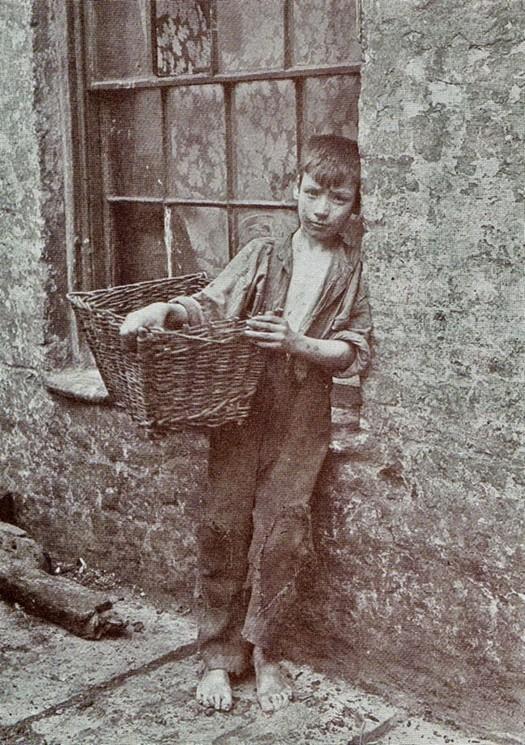 london_street_children_1900s_2.jpg