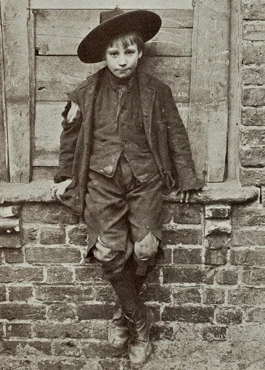 london_street_children_1900s_23.jpg