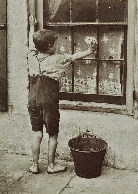 london_street_children_1900s_26.jpg