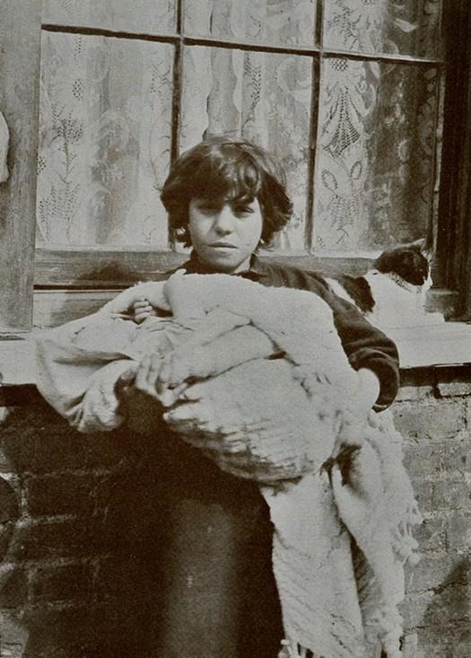 london_street_children_1900s_27.jpg