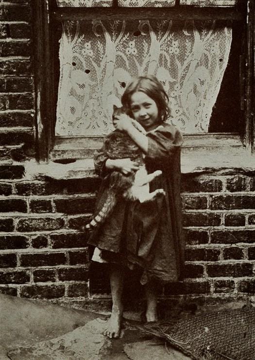 london_street_children_1900s_28.jpg