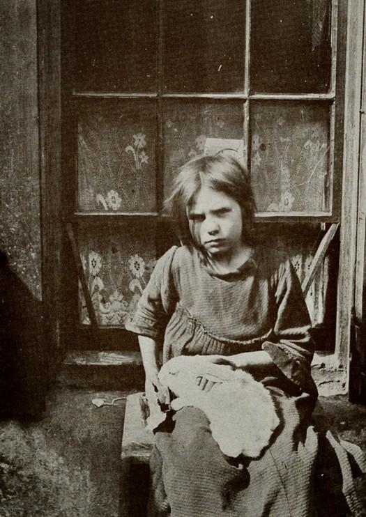 london_street_children_1900s_29.jpg