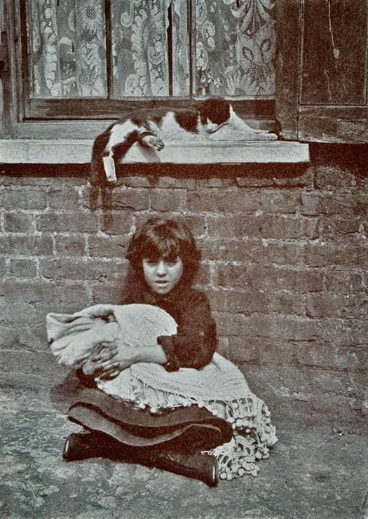 london_street_children_1900s_5.jpg