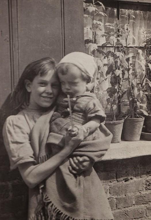london_street_children_1900s_8.jpg