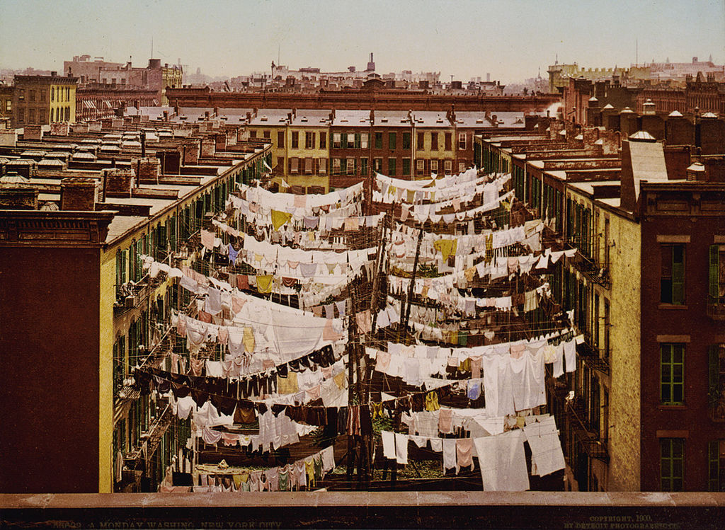 1024px-A_Monday_washing,_New_York_City,_1900.jpg
