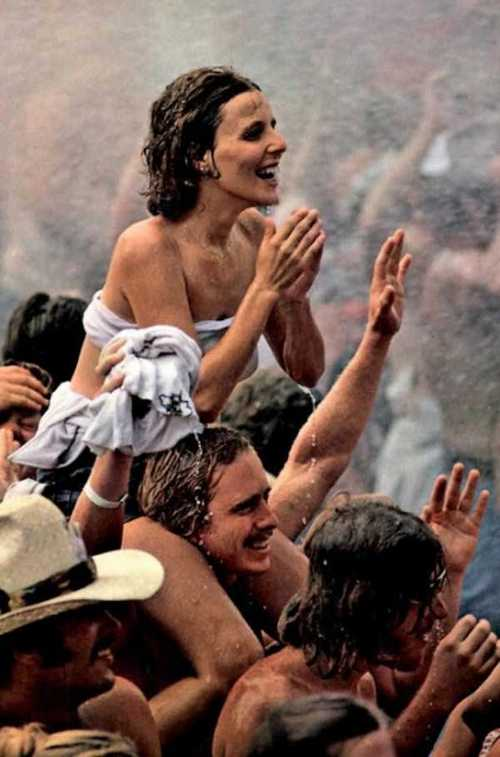 Photos-of-Life-at-Woodstock-1969-25.jpg