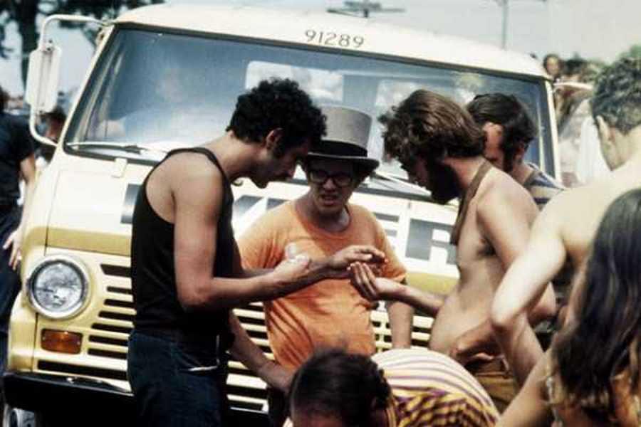 Photos-of-Life-at-Woodstock-1969-30.jpg