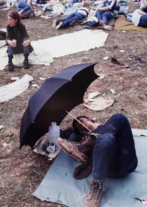 Photos-of-Life-at-Woodstock-1969-42.jpg