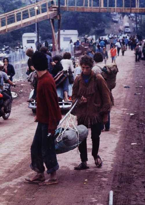 Photos-of-Life-at-Woodstock-1969-44.jpg
