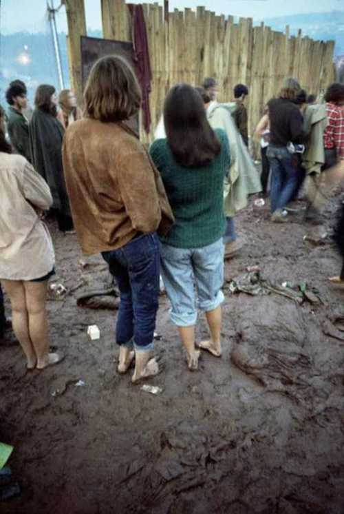 Photos-of-Life-at-Woodstock-1969-46.jpg