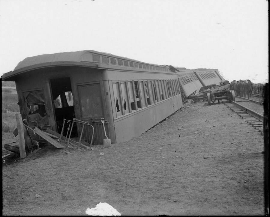 1925 körül. Kisiklott szerelvény Dél-Bostonban..jpg