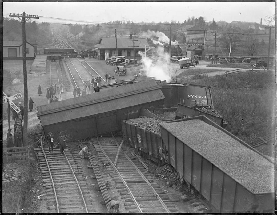 1925 körül. Tehervonat balesete. Sharon, Massachusetts..jpg