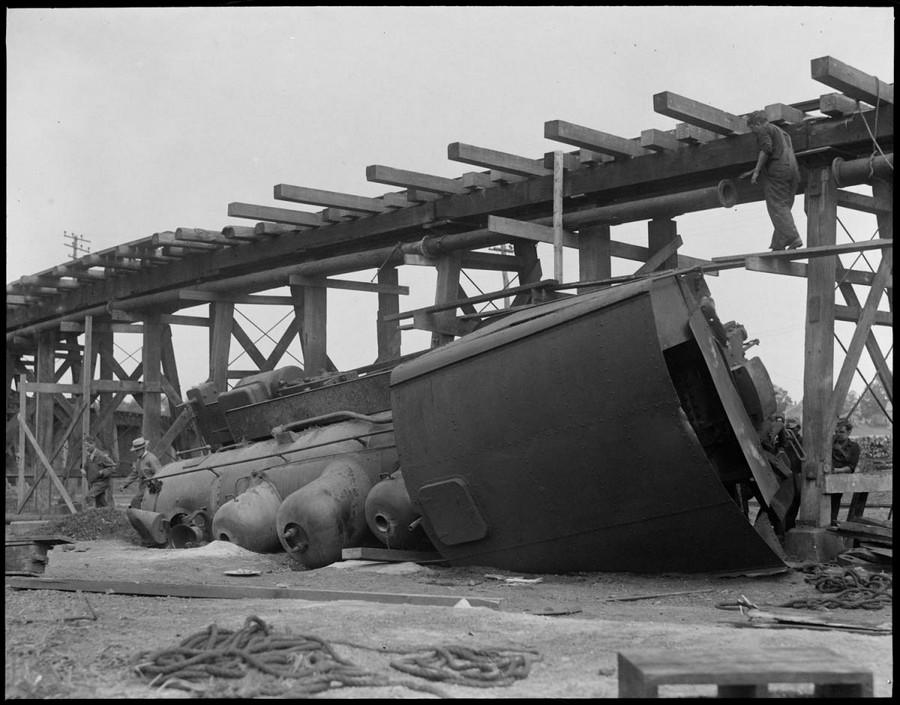 1926. Emelt pályáról lezuhant mozdony. 2.jpg