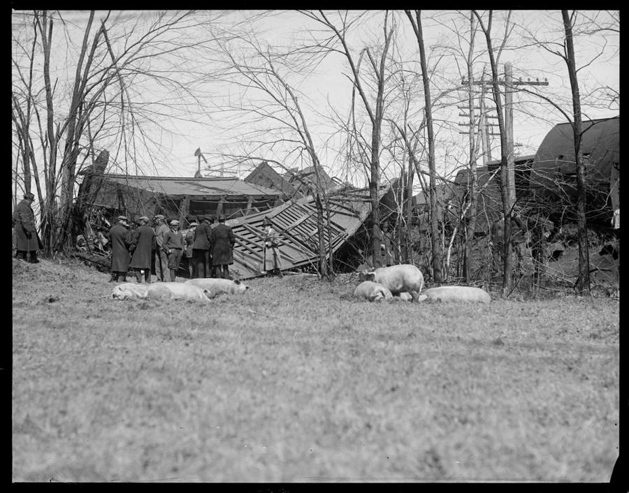 1928 körül. Tehervonat balesete..jpg