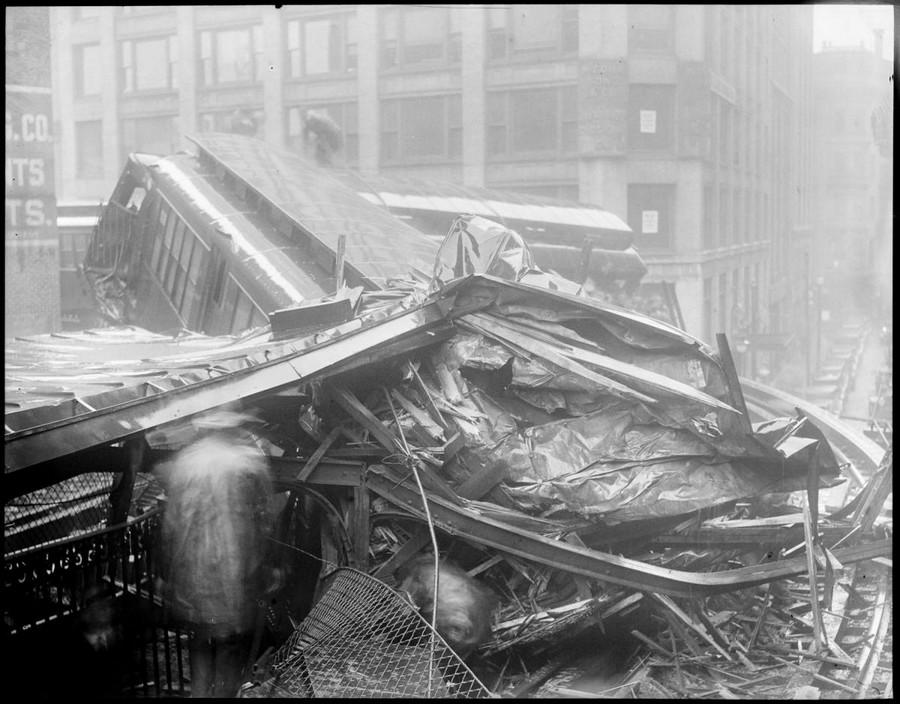 1928. Beach St. & Harrison Ave. Two killed 2.jpg