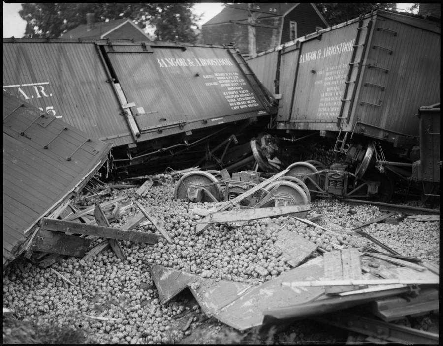1928. Krumpliszállító szerelvény balesete..jpg