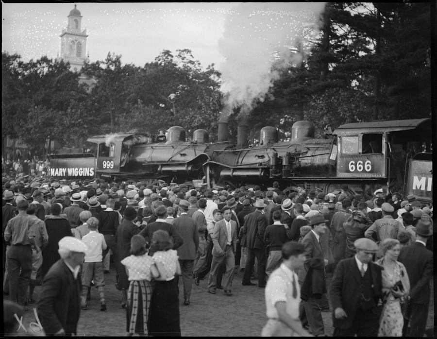 1933. Frontális a brocktoni vásáron..jpg