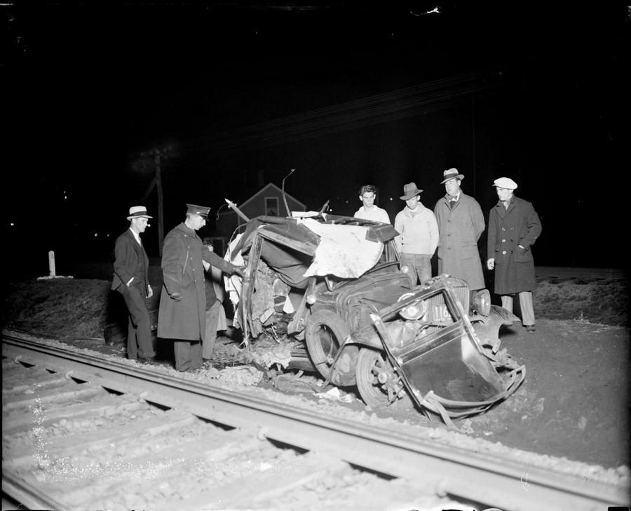 1933. Vonat és autó találkozása Belmontnál. Ketten haltak meg a balesetben. 2.jpg