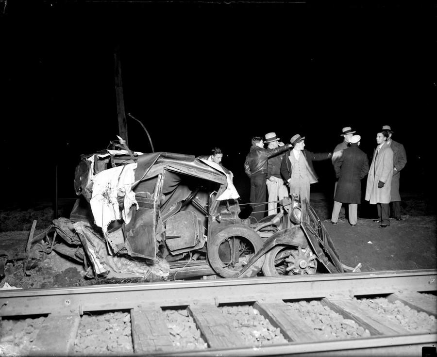 1933. Vonat és autó találkozása Belmontnál. Ketten haltak meg a balesetben..jpg