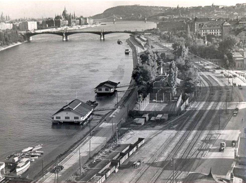 1952. 1_Buda-Császárfürdő.jpg