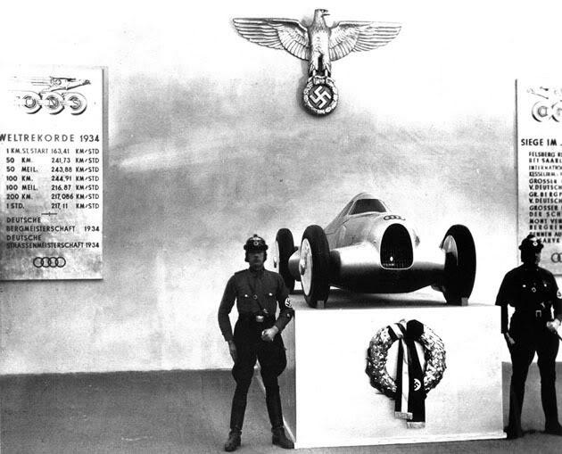 1935. Audi (Auto Union), mint náci versenyautó..jpg
