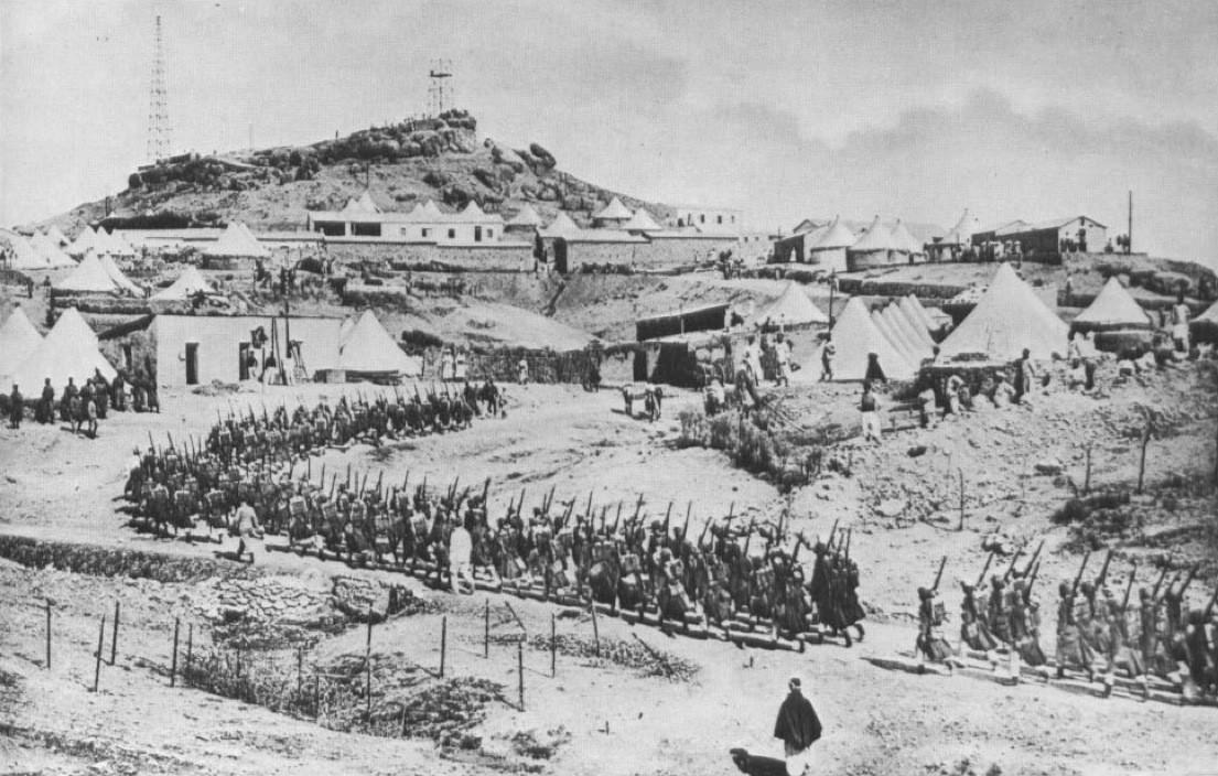 1912. Francia idegenlégió tábora Marokkóban. A Rejtő regényekből pont ilyennek képzeltem..jpg