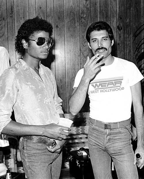 1980. Michael Jackson és Freddie Mercury a színfalak mögött. The Los Angeles Forum.jpg