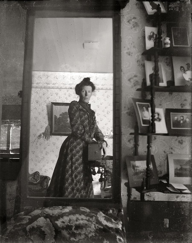 1900. Az első selfie-k egyike....jpg
