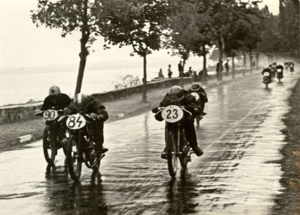 1950. Motorverseny Tihanyban..jpg