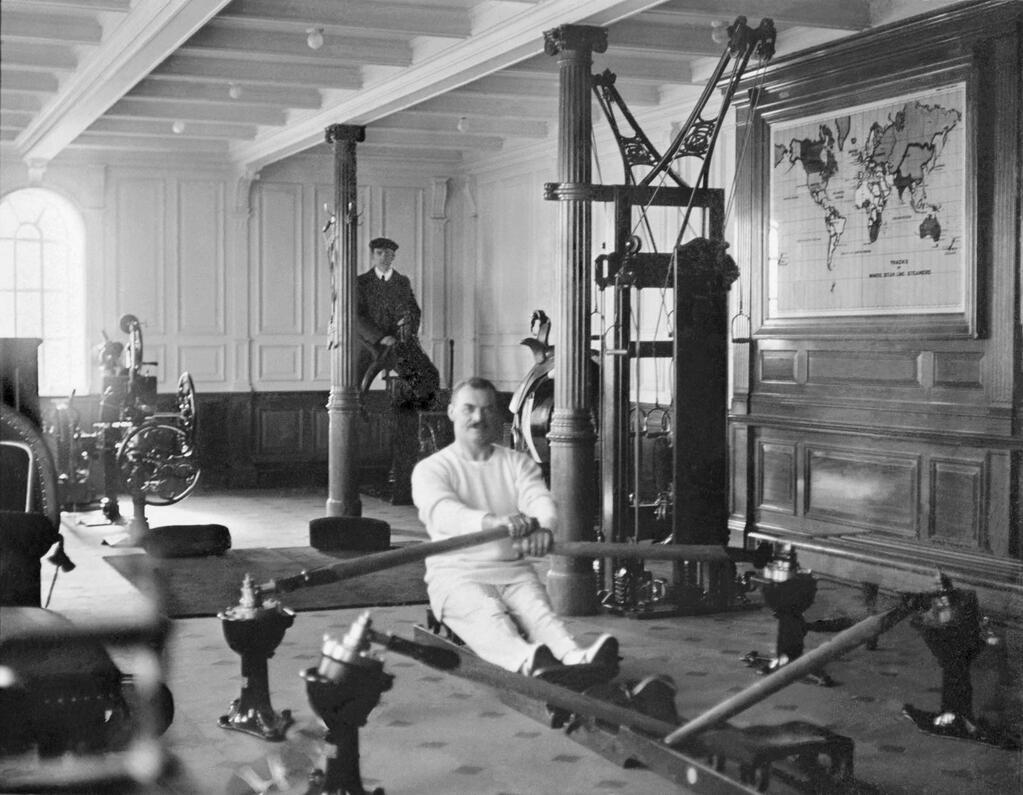 1912. A Titanic edzőterme..jpg