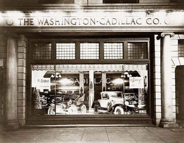 1918. Az első Cadillac autószalon New Yorkban.jpg