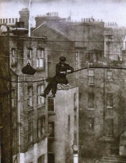 1930. Londoni telefonszerelő.jpg