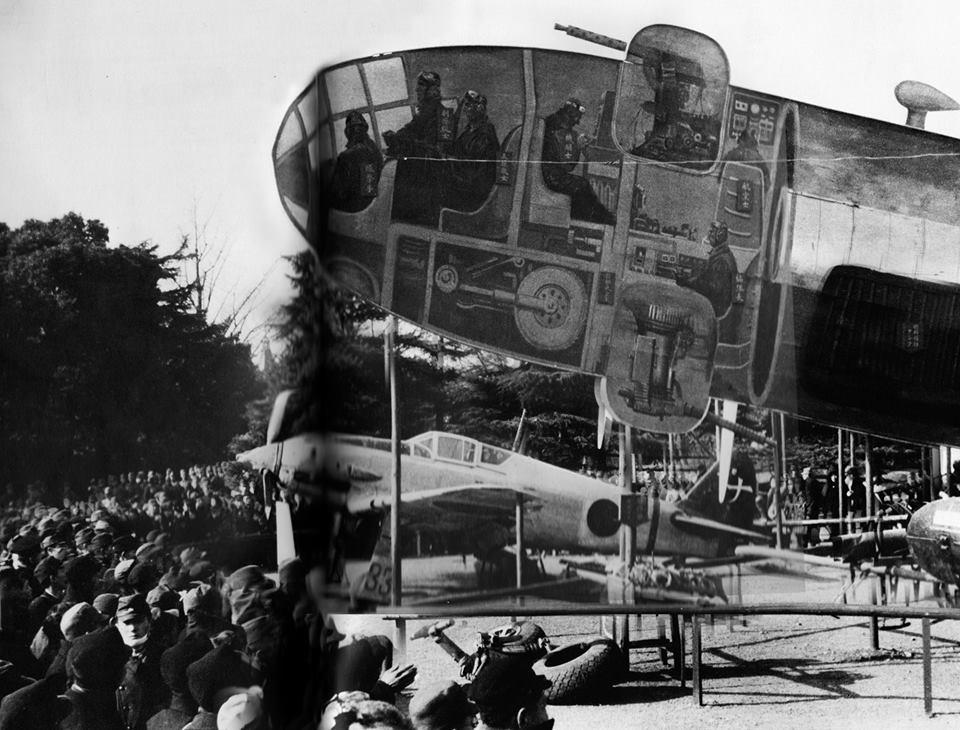 1943 körül. Japánban katonai bemutató során a B29-es bombázó belsejét mutatják be egy metszeten..jpg