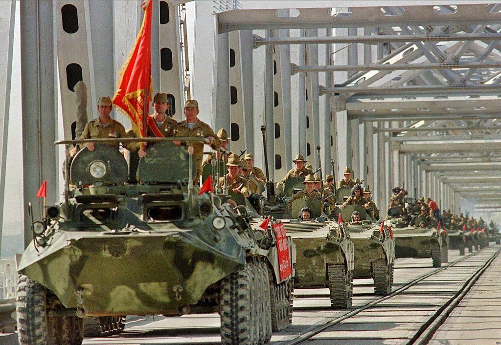 1988. Szovjet csapatok kivonulása Afganisztánból. A szovjetek Vietnamjának tartott országban a csaknem 10 évig elhúzódó harcban sem politikai, sem gazdasági eredményt nem tudtak elérni kivonulásukig..jpg